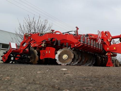 Test drive of DUCAT-GOLD-6 disc harrow